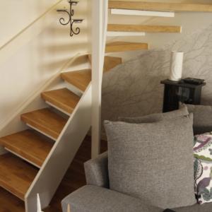 Öppen trappa i Ek 3-stav och handledare.
